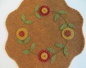 Felt Penny Rug with Flowers, Penny Mat,  Felt Candle Mat, Table Decor, Earth Tones, Table Decor, Felt Needlecraft, One of a Kind, OFG, FAAP