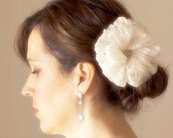 Bridal Hair Flower Silk Floral Clip Ivory Classic Wedding Hairpiece Classic Brides Hair Accessories