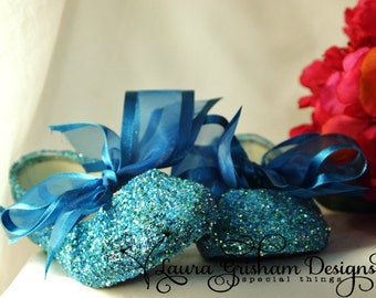 Clearance Sale! Little Girls size 6 Aqua GLITTER SHOES; One Pair Only; Flower Girl Shoes; Immediate Shipping!