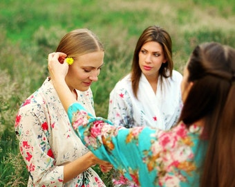 Set of 5 custom lined floral bridesmaids robes. Floral bridal robe. Bridal party robes. Floral cotton robes with pockets.