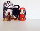 Little red riding Hoog Matrioska, five pieces nesting doll
