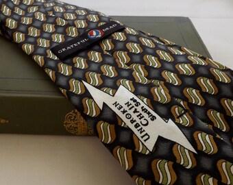 Grateful Dead Unbroken Chain Men's Tie--Item No C07063-2-3 [L40]