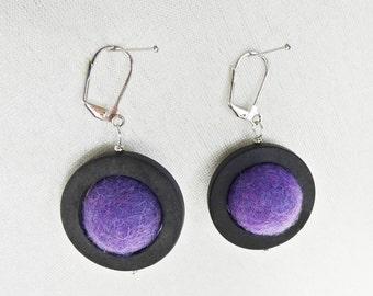 "Filz Ohrringe ""Planeten"" Filzperlen lila, 100% Wolle, Durchmesser  ca. 19 mm, Onyx schwarz 30mm, Metall oder 925 Silber, ca. 56 mm, Brisuren"