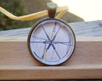 "Compass, 1"" Round Pendant - Antique Bronze"