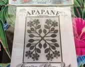 """Hawaiian quilt pattern """"Hawaiian Hibiscus"""" 40 inch x 50 inch"""