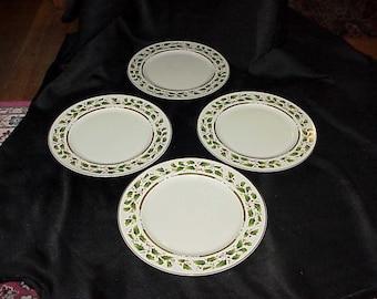 4 Royal Holly Holiday Dinner Plates EUC