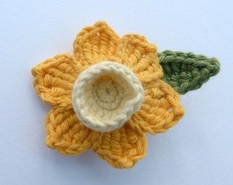 Crochet brooch. Crochet daffodil brooch.  Mother's day gift, birthday gift, brooch pin,  flower corsage, Christmas gift.