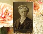 Handsome Edwardian Gentleman Carte De Visite (CDV)  Photo