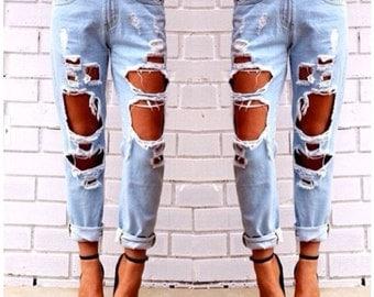 Boyfriend Destroyed low waisted denim jeans