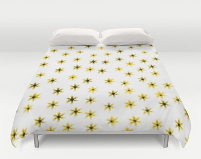 Daisy Flower Bed Cover - Duvet Cover Only - Bed  Spread - Comforter - Daisy Flower Art - Bedroom Decor - Made to Order