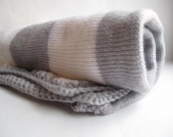 100% merino wool baby blanket - grey and white