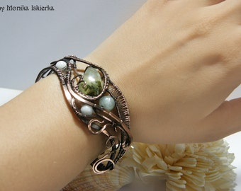 Nathaira- wire wrapped bracelet, prehnite, handmade, copper