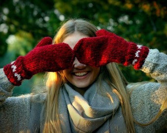 Icelandic  Wool Mittens, Red, White Hearts, Handmade, pure Wool, made to order, Hand Knit