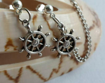 Nautical Cartilage-to-lobe earrings with silver chain and matching charm