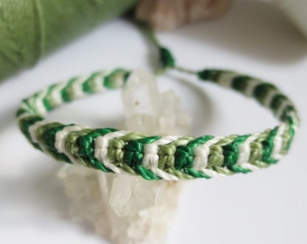 Green & White Friendship/Surf Bracelet Macrame Handmade Wax Thread