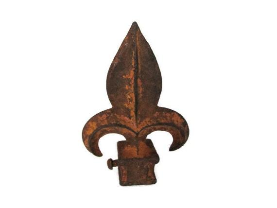 Vintage Fleur De Lis Finial Rustic Cast Iron Finial Old