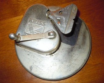Vintage Kriss Kross Razor Blade Sharpener