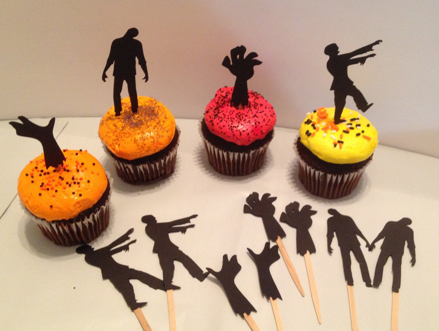 12 Zombie cupcake toppers Walking dead party Halloween