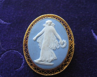 Wedgewood 14k gold cameo brooch pin pendant mid century