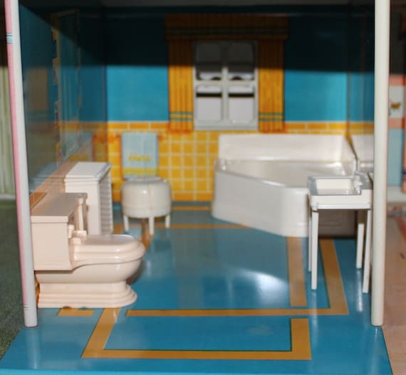 Plastic Dollhouse Furniture Bathroom Three Quarter Scale