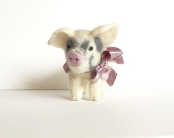 Needle Felted animal Felt toy Little Pig Felted miniature Small Felt figure Felt animal Animal farm