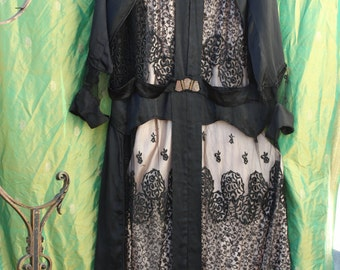 SALE was 310 NOW 295 Exquisite Elegant Silk and Lace 20s Dress