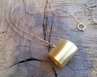 Statement gold necklace , Long delicate necklace , Long gold unique necklace , Elegant and minimalist jewelry , Pendant long necklace