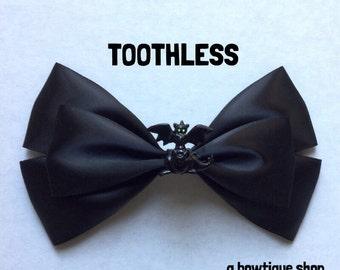 toothless hair bow