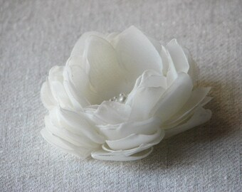 Ivory hair flower Ivory hair clips Bridesmaids ivory flower Ivory headpiece Flower girls ivory flower 3 inch ivory flower Ivory hair piece