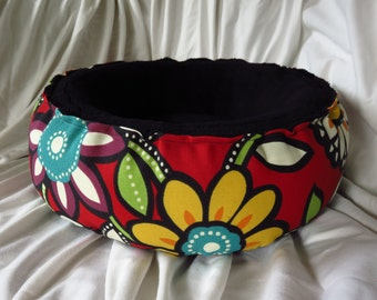 """CUSTOM *Wilder-Red* 18"""" Plush pet bed. Round Cat Bed / Dog Bed."""