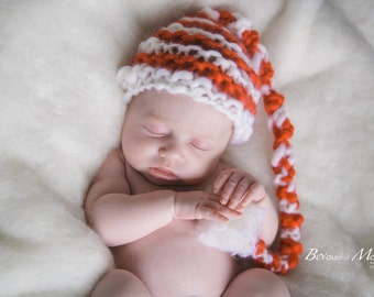 Baby Christmas Santa pom pom hat photo prop, gift red and white
