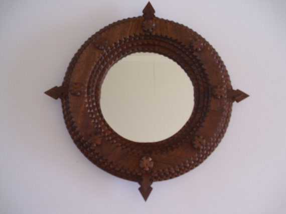 Handcarved wood tramp art frame round by