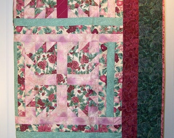 Victorian Beauty, Holiday Quilt, Christmas Quilt, Quilted Throw, Wall Hanging, Victorian Style, Pieced Quilt, Quilted Comforter