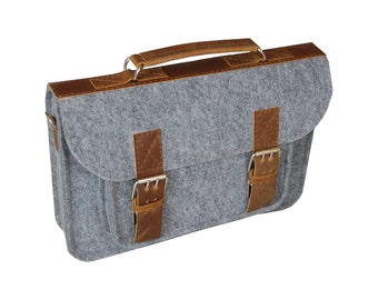 Laptop bag 11 in, felt satchel, macbook pro, macbook air 11 inch sleeve, case, bag with leather strap buckle