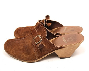 Vintage 70s Suede Clogs - 1970s Cougar Boho Hippie Brown Suede Faux Wood Clog Weges - 70s Hippie Gypsy Suede Buckle Strap Chunky Clog Sandal