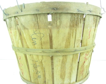 Basket, fruit basket, farm item, gathering basket, orchard basket, wood container, vegetable basket