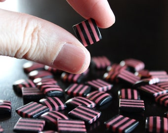 40 resin cabochons, 10 mm  x 10 mm square, 20 pairs, pink and black stripes, flat back
