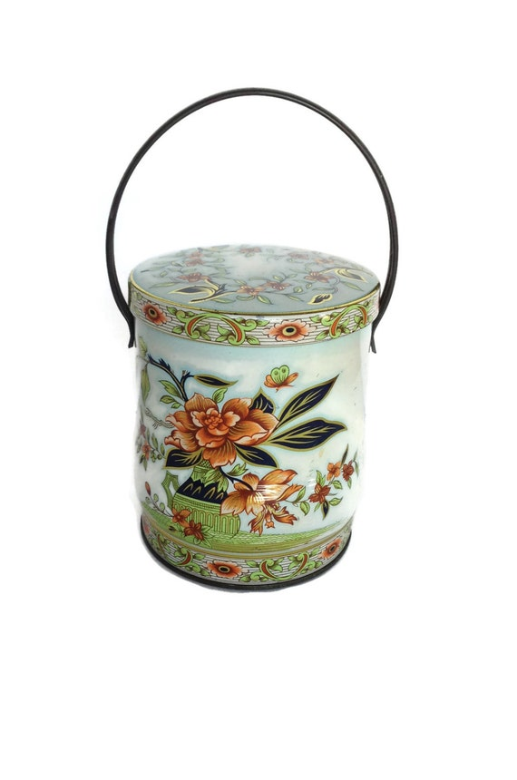 Vintage Daher tin with handle floral design made in England