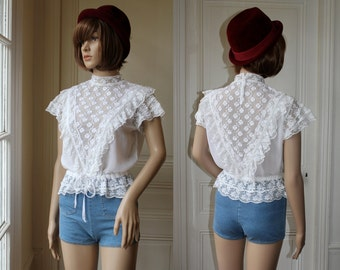 70s 80s white lace top frou frou blouse romantic bohemian kawaii pur floral lace flowers - Size XS / S