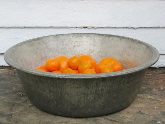 Large rustic metal wash basin steel wash tub large flat for Large metal wash tub