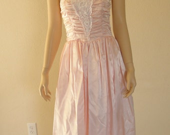Vintage pink Formal Gunne Sax Prom Dress Gown size small  80s 1980s boned bodice strapless sweetheart ruched pastel