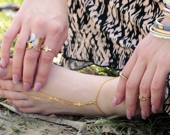 Anklet, Ankle bracelet