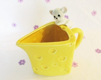 Vintage Kitsch, Cheese Shaped Jug with grey Mouse, 1960's.