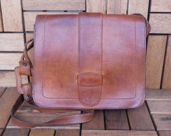 Vintage 1970's Lady's Brown Leather Medium Size Bag Purse With Shoulder Strap