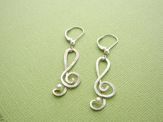 """Treble Clef with Pearl Earrings 1-3/4"""" x 1/2"""", 4mm x 1.5mm,  Silver Wire Hammered . Silver lever-back ear wires."""