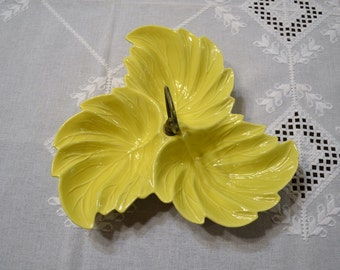 Vintage USA Pottery Yellow Nut Candy Dish Leaf Pattern PanchosPorch