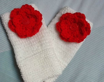Kawaii Gloves, White and Red Gloves, Fashion Gloves, Flower Yarn Gloves, Red Flower Gloves, White Knitted Gloves, Gloves with Flowers