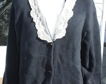 Vintage cardigan with lace collar