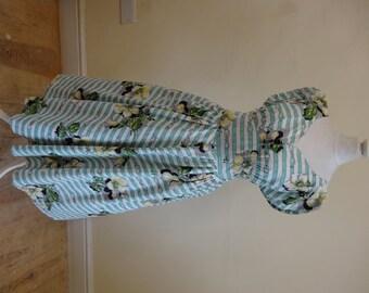 1950's Dress. Seaside and Picnics.