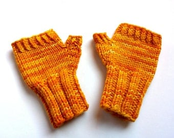 Fingerless Gloves for Babys up to 18 M. Yellow, Mittens 100% Wool Merino, Arm Warmers, handknitted